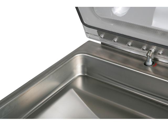 Tiefgezogene Wanne ohne Ecken und Kanten ermöglicht eine leichte Reinigung.