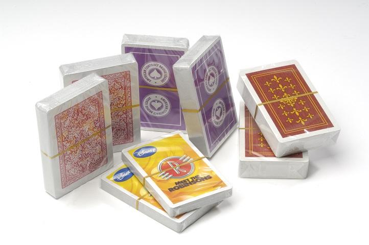falteinschlag_verpackungsmuster_spielkarten